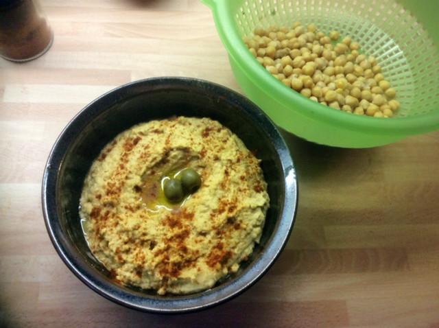 13.3.16 - Focaccia,Hummus,Salat,Obstsalat,vegan (3)