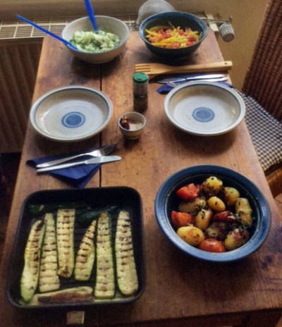 8.3.16 - Zucchini,Paprikasalat,Gurkensalat,Kartoffeln,Spiegelei (14)