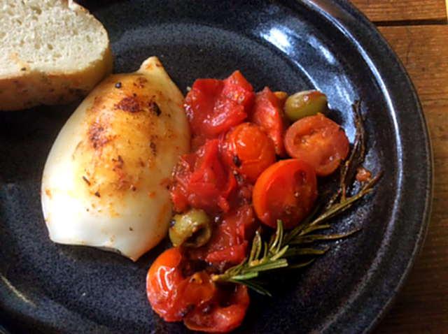 13.4.16 - Tintenfisdch Tuben,Tomaten,Baguette   (16)
