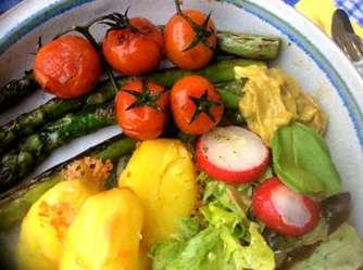 5.4.16 - Grüner Spargel,Salat,Ofenkartoffeln (13)