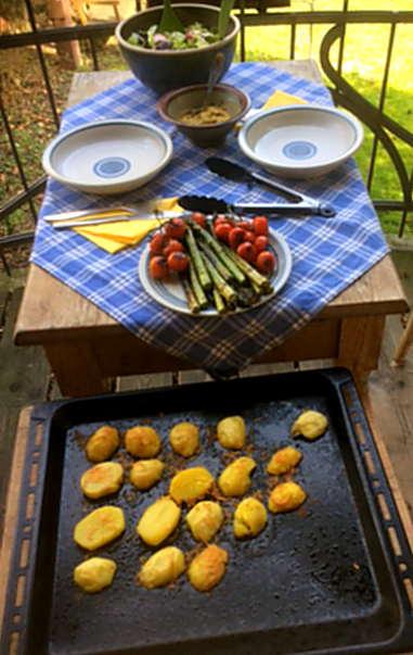 5.4.16 - Grüner Spargel,Salat,Ofenkartoffeln   (2)