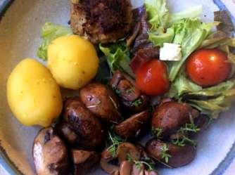 8.4.16 - Champignon,Frikadellen,Salat,Kartoffeln (15)