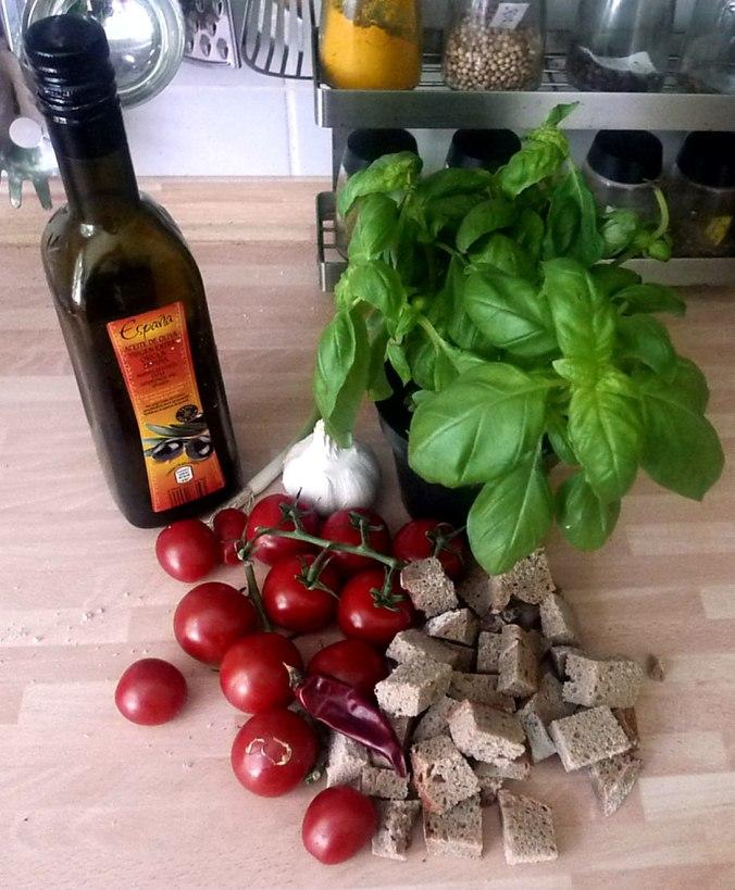 27.6.16 - Panzanella,Brotsalat,Tomatenbrotsalat,vegan (3)