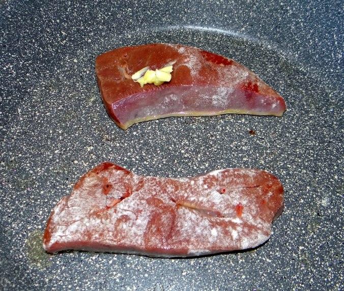 Kartoffel-Pastinaken Stampf,Kalbsleber,Spargel,pochiertes Ei,Endivien Salat (9)