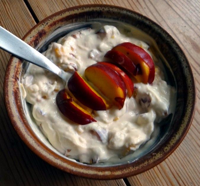 Gefüllte Paprika-Tomaten,Pellkartoffeln,Quarkspeise (4)