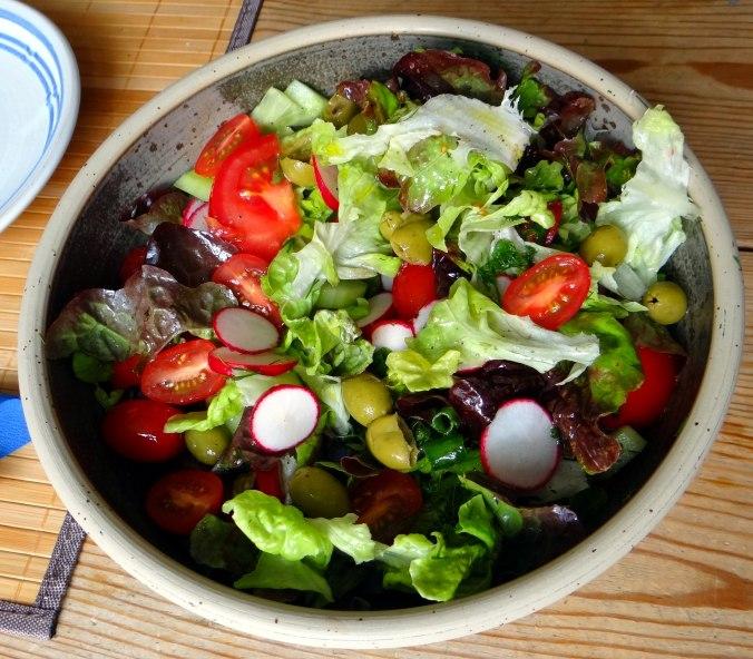 Matjes,Pellkartoffeln,Salat,Waffeln,Johannisbeeren (1f)