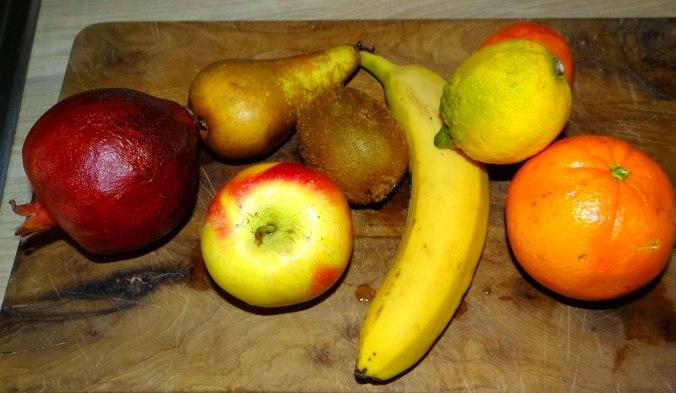Mairübchen,Mettbällchen,Kartoffeln,Obstsalat (15)