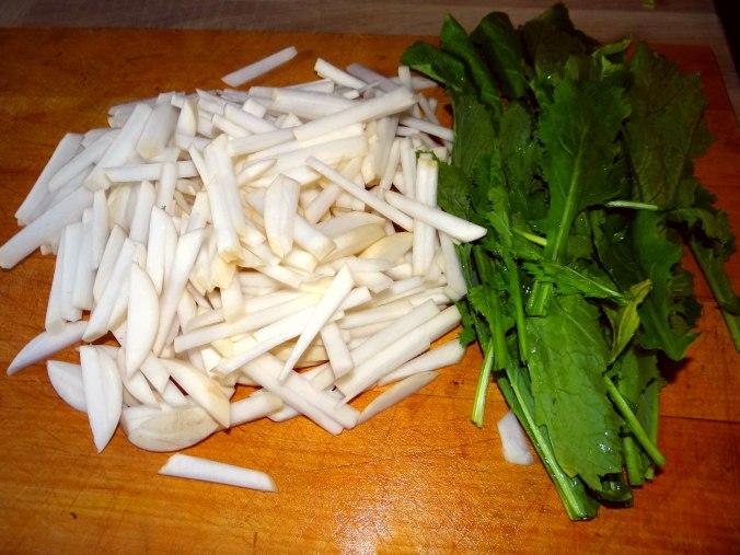 Mairübchen,Mettbällchen,Kartoffeln,Obstsalat (8)