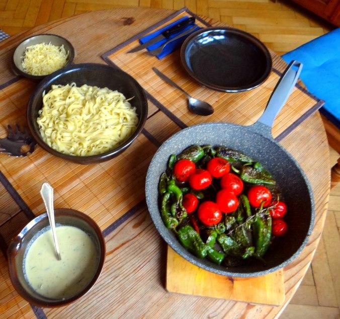 Selbstgemachte Nudeln,Gorgonzola Sauce 1 (3)