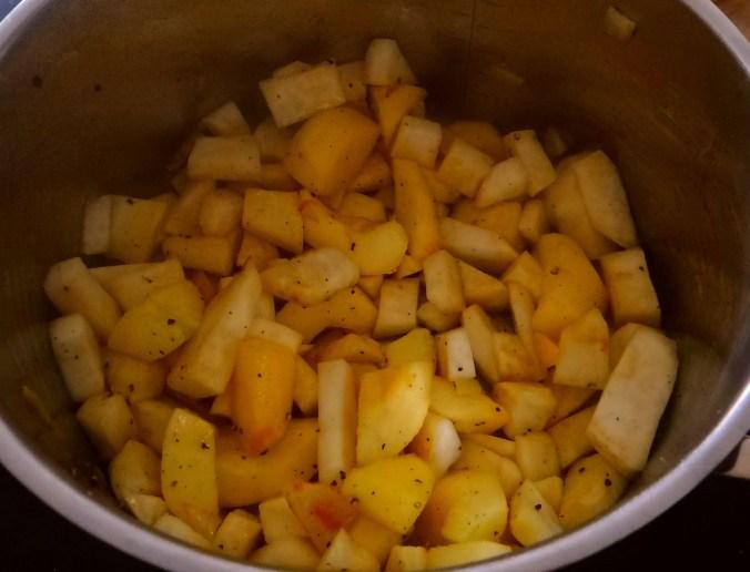 Sellerie-Apfelsuppe mit Ricotta-Spinatnocken (9).jpg
