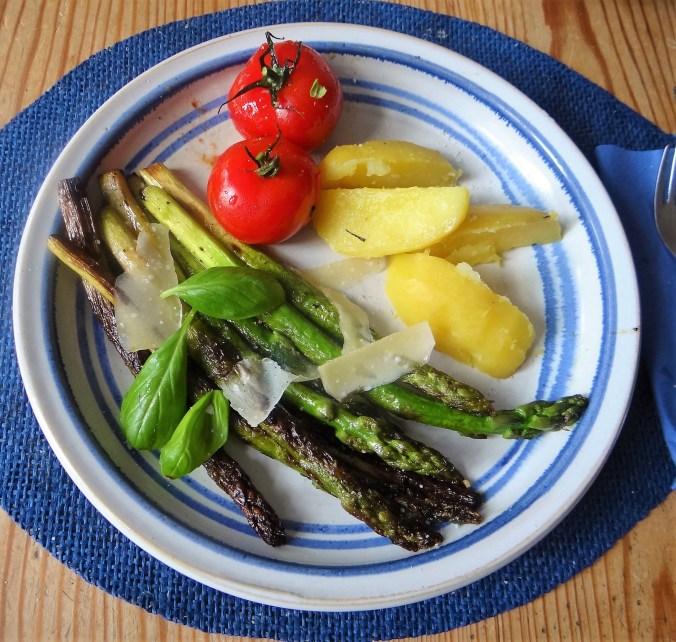 Grüner Spargel,Tomaten,Kartoffeln (2)