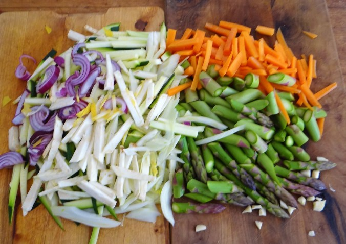 Wokgemüse,grüner Spargel,Glasudeln (5)