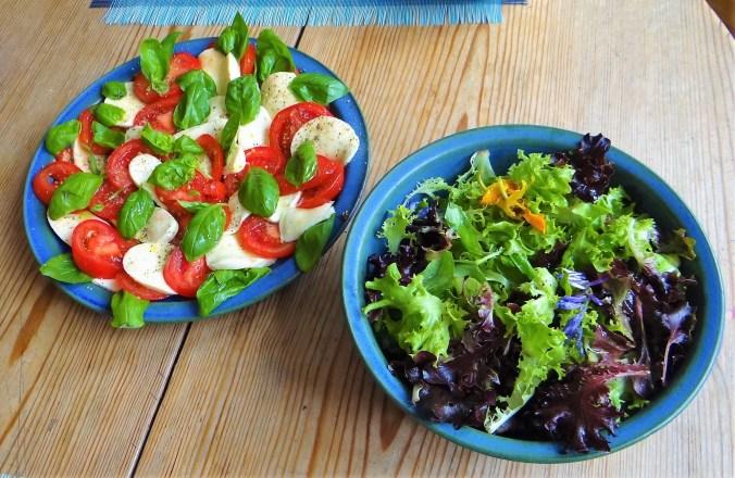 Caprese,Frisee Salat,Melone (7)