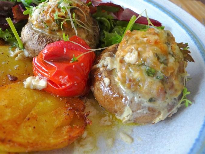 Gefüllte Portobello,Salat (3)
