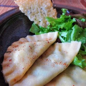 Ravioli mit Feta-Spinat Füllung und Salbei Butter (19)