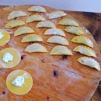 Ravioli mit Feta-Spinat Füllung und Salbei Butter (9)