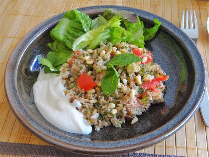 Tabouleh,Joghurt Dip,Salat (16)
