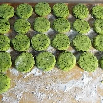 Hähnchen,Bärlauchtaler,Salate (7)