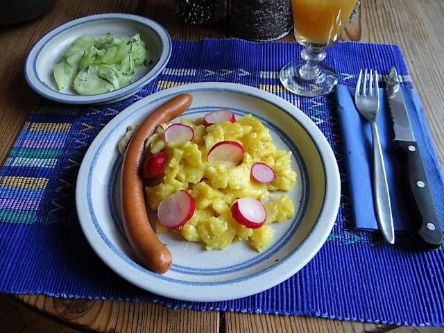 Würstchen mit Kartoffelsalat (1)