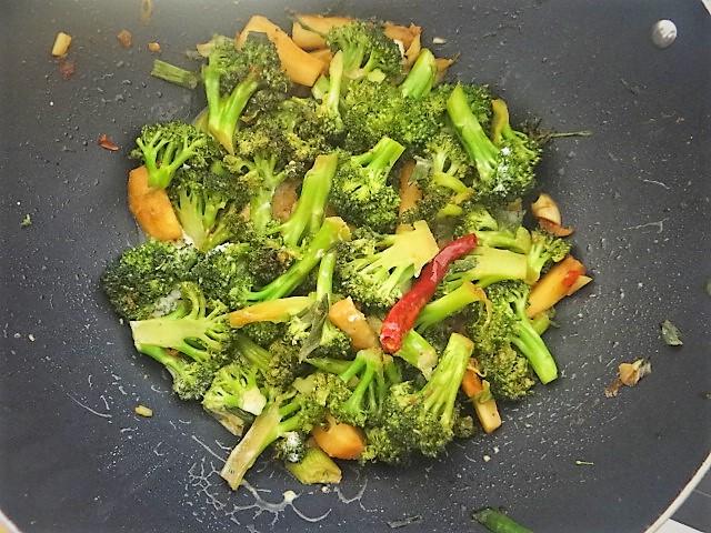 Brokkoli mit Garnelen (12)