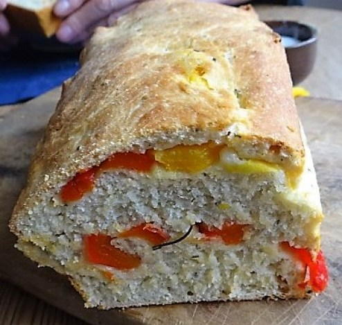 Muscheln in Tomatensauce und Paprikabrot (4)
