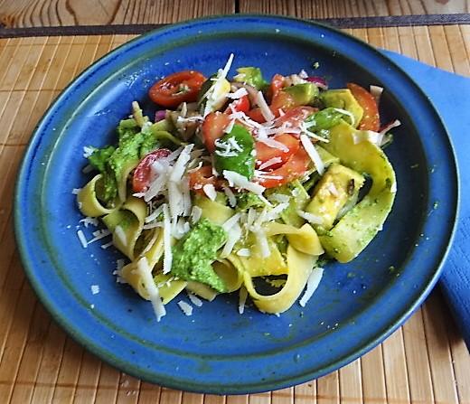 Tomaten Avocado Salat mit (11)