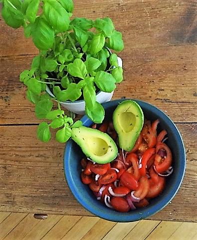 Tomaten Avocado Salat mit (6)