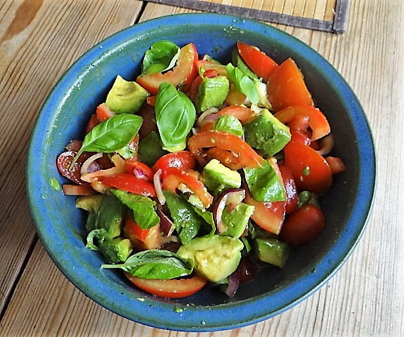 Tomaten Avocado Salat mit (8)