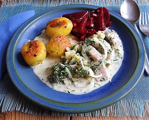 1Marinierter Hering,Rote Bete Salat, Bratkartoffeln (26)