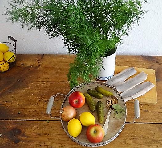 1Marinierter Hering,Rote Bete Salat, Bratkartoffeln (7).JPG