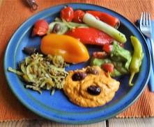 Kartoffel Zoodles, Gemüse im Gärkorb, Ajvar Feta Creme, Guacamole (26)