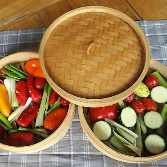 Kartoffel Zoodles, Gemüse im Gärkorb, Ajvar Feta Creme, Guacamole (9)