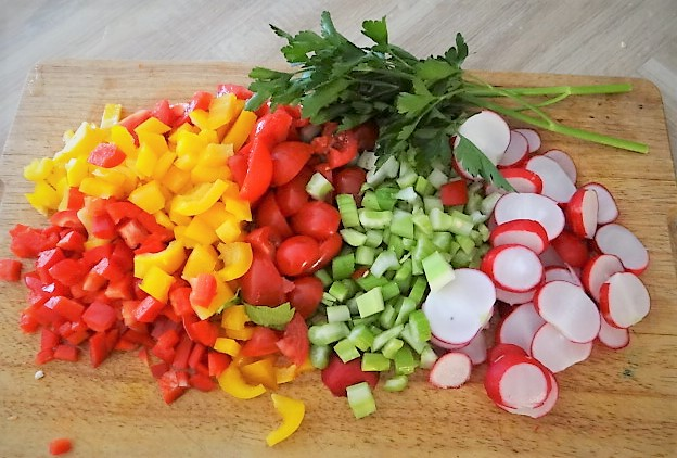 Marinierter Hering,Bunter Salat, Bratkartoffeln (7)