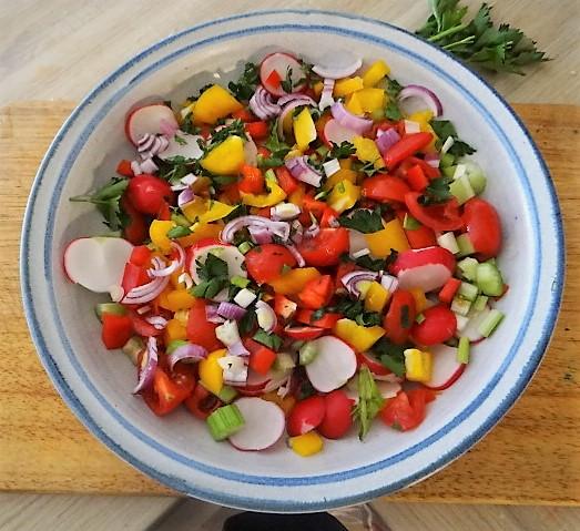 Marinierter Hering,Bunter Salat, Bratkartoffeln (8)
