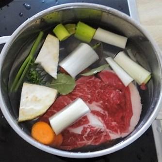 Rindfleisch in Petersiliensauce, Kohlrabigemüse,Salzkartoffeln (11)