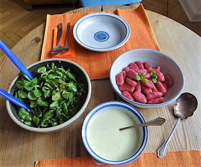 Rote Bete Gnocchis,Gorgonzola Sauce, Feldsalat (5)