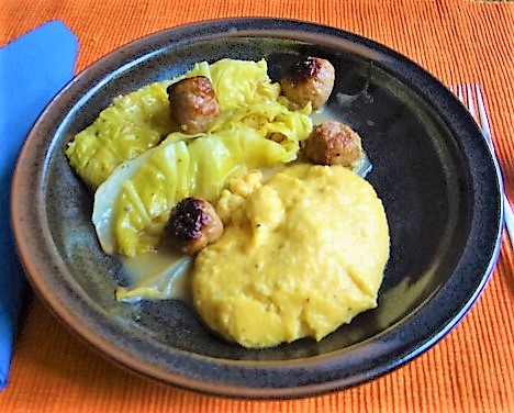 Spitzkohl mit Salzzitrone und Polenta