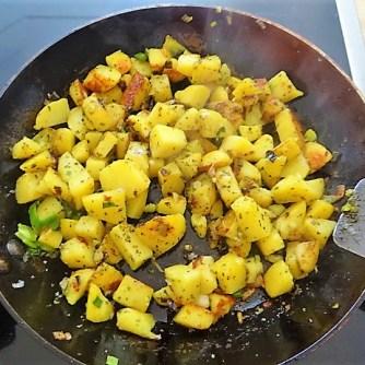 Bratkartoffel,Sprotten,Salat (12)
