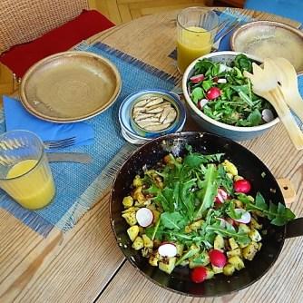 Bratkartoffel,Sprotten,Salat (14)