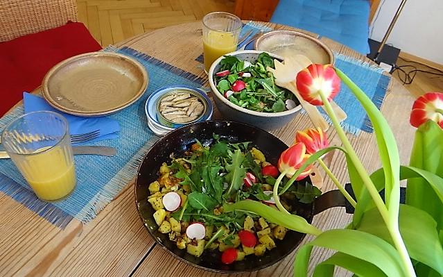 Bratkartoffel,Sprotten,Salat (4)