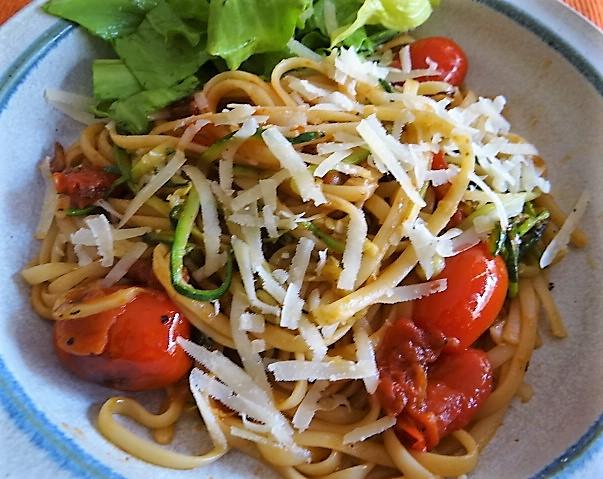Linguine,Zoodles,Tomaten,Endivien (3)