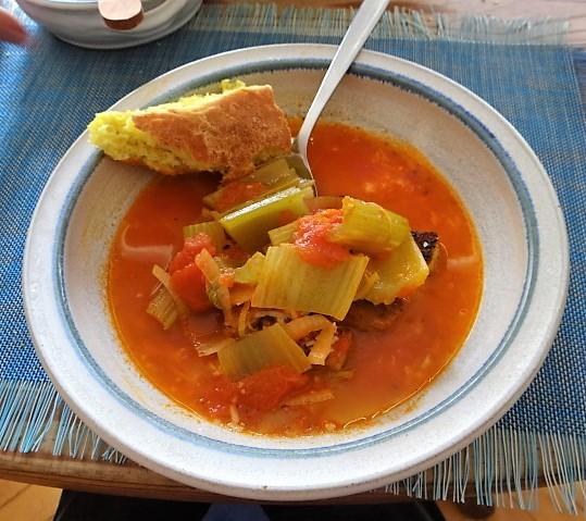 Staudensellerie Suppe mit Weißbrot (28)