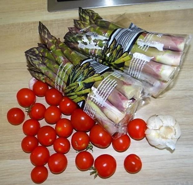Grüner Spargel mit Tomaten (3).JPG