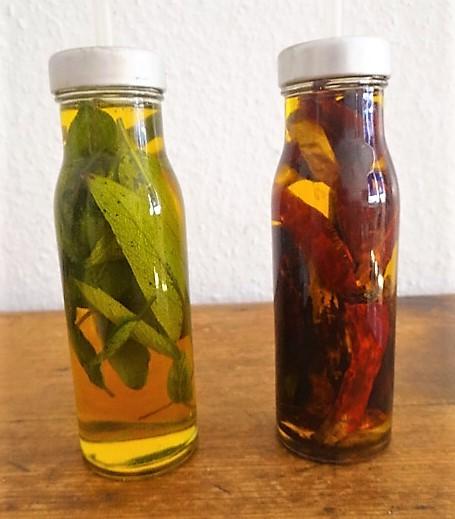 Salbeiöl,Chilliöl (2).JPG