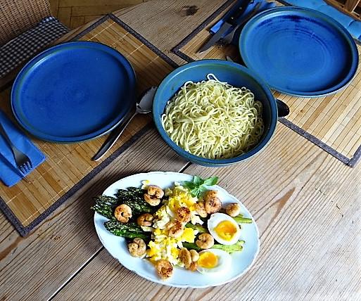 Spaghetti,Grüner Spargel, Ei, Garnelen (4)