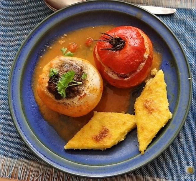 Gefüllte Mairübchen und Tomaten mit Polenta (1).JPG