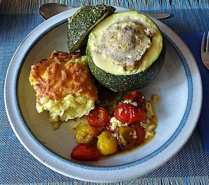 Gefüllte Zucchini mit Kartoffelauflauf (2)