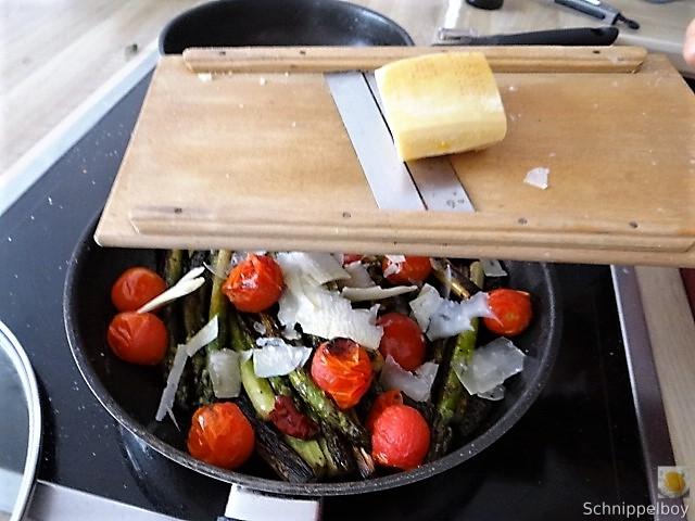 Grüner Spargel mit Tomaten (11)