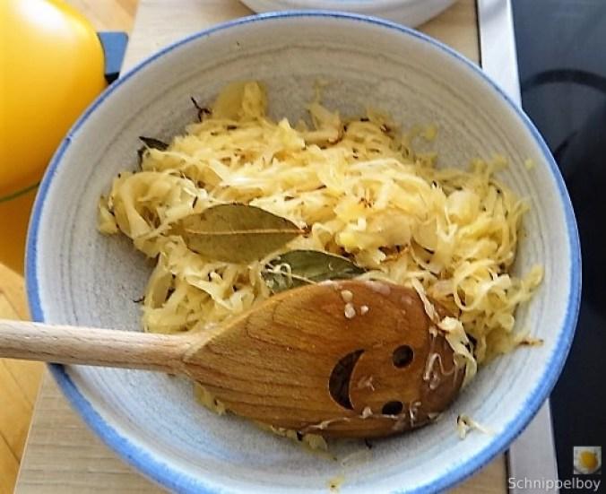 Sauerkraut,Kartoffelstampf,Weißwurst (5)