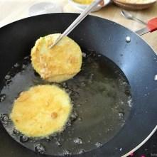 Frittierte Zucchini mit Gorgonzolasauce (14)